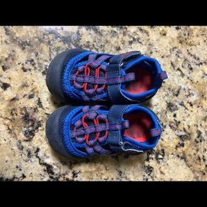 Toddler Oshkosh sandal tennis shoes